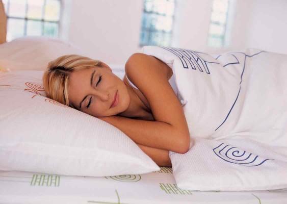 Спать голым — полезно!