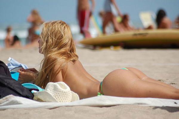 Шведской студентке доверили тестировать пляжи